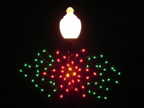 Lamppost Silhouette Poinsettia Spray, Lamppost 4 Feet