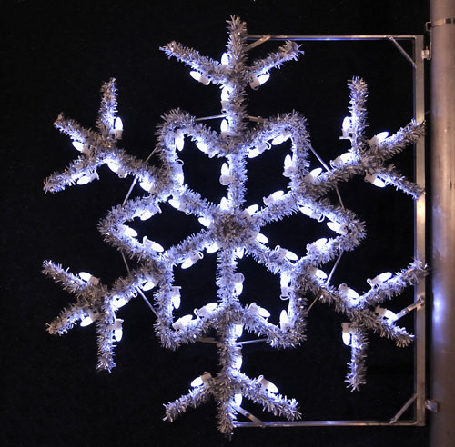Garland Snowflake, 4 Ft. Pole Decoration in Pure White