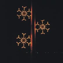 Animated Traditional Falling Snowflakes