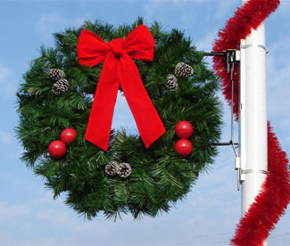 Garland Wreath Pole Mounted Decorations Commercial