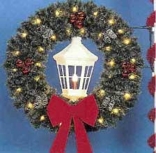 Pole Mount Deluxe Garland Wreath with White Deluxe Lantern, Pole Mount 5 Feet
