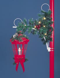 Pole Mount Red Deluxe Lantern Scroll Garland