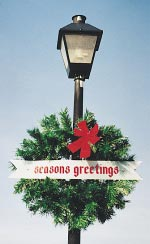 Garland Wreath with Season's Greetings Banner 3 Feet